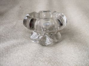 VINTAGE VERY CHUNKY HEAVY GLASS THICK CANDLE / TEALIGHT HOLDER PETAL BASE